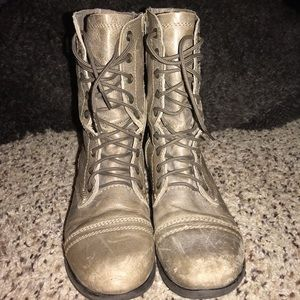 Steve Madden Troopa Leather Combat Boots In Taupe